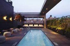 Hotel Americano - L'Hotel Americano vous propose une piscine extérieure sur le toit, deux restaurants gastronomiques et des hébergements modernes offrant une vue sur la ville. Adresse Hotel Americano: 518 West 27th Street NY 10001 New York (New York)