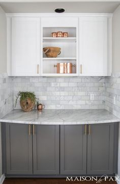 Supreme Kitchen Remodeling Choosing Your New Kitchen Countertops Ideas. Mind Blowing Kitchen Remodeling Choosing Your New Kitchen Countertops Ideas. Kitchen Ikea, Farmhouse Kitchen Cabinets, Kitchen Cabinet Design, Kitchen Redo, New Kitchen, Farmhouse Sinks, Modern Farmhouse, Country Kitchen, Kitchen Designs