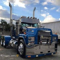 Old Mack Trucks, Big Rig Trucks, Dump Trucks, New Trucks, Custom Trucks, Cool Trucks, Cabover Camper, Peterbilt Trucks, Old Trucks