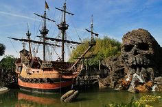 Pirates of the Carribean, Disneyland Paris.  Copyright Mark Andrews 2009  All Rights Reserved.