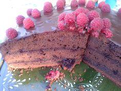 Sacher torta málnalekvárral