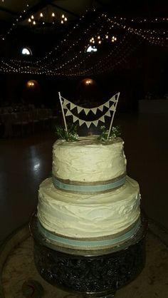 Wedding cake Wedding Cakes, Wedding Venues, Desserts, Food, Wedding Gown Cakes, Wedding Reception Venues, Tailgate Desserts, Wedding Places, Deserts