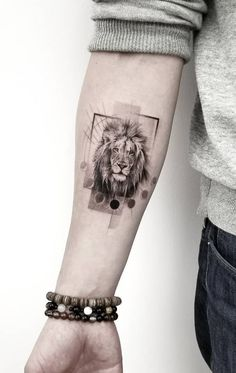 State-of-the-art Fine Line Realistic Tattoos by Zlata Kolomoyskaya - awesome fine line lion tattoo © tattoo artist Zlata Kolomoyskaya ❤❤❤❤❤❤ - Dreieckiges Tattoos, Lion Forearm Tattoos, Girl Arm Tattoos, Body Art Tattoos, Sleeve Tattoos, Tattoos For Guys, Cross Tattoos, Couple Tattoos, Finger Tattoos