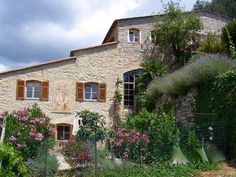 Torria - Lovingly renovated country house wing with garden and view over the martime alps