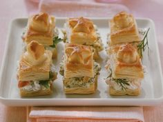 Kleine Pasteten mit verschiedenen Füllungen ist ein Rezept mit frischen Zutaten aus der Kategorie Pastete. Probieren Sie dieses und weitere Rezepte von EAT SMARTER!