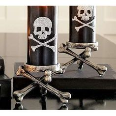 Skull and crossbones candles <~ Wish I knew where to buy these.