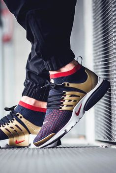 Sneakers Nike : With metallic gold armor in its defense Nikes Air Presto Flyknit Ultra is fit for a Spartan Nike Air, Sneakers Fashion, Fashion Shoes, Adidas Fashion, Sport Fashion, Mens Fashion, Style Fashion, Nike Shoes, Shoes Sneakers