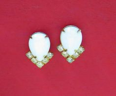 Vintage White Lucite Teardrop & Icy Clear Rhinestone by baublology