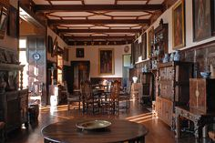 The Gallery, Hutton-in-the-Forest: Elizabethan - Jacobean Style Furniture (English)