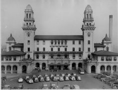 By the time of its 1970 closing, Terminal Station had witnessed Atlanta change from a premier Southern railway hub in the early century to a modern transportation mecca for air and interstate highway travel. Atlanta Travel, Railroad History, Southern Railways, Railroad Photography, Famous Places, Capital City, Night Life, The Good Place, Transportation