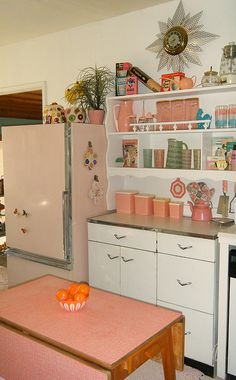 Vintage pink and white kitchen...sweet!...I do wanna paint those walls!!!