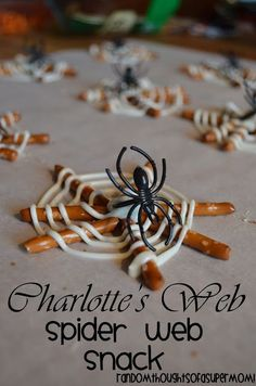 Charlotte's Web Spider Web Snack for this Halloween! Halloween Snacks, Holidays Halloween, Halloween Kids, Halloween Party, Happy Halloween, Halloween Door, Halloween Goodies, Halloween 2014, Homemade Halloween