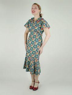 30s Vintage Blue Flower Print Cotton Day Dress, via Flickr.