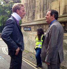 """Hathaway (Laurence Fox) and Lewis (Kevin Whately) filming """"Lewis"""" (BBC). Inspector Lewis, Inspector Morse, Kevin Whately, Laurence Fox, Good Looking Actors, Detective Shows, Tv Detectives, Tv Actors, Drama Film"""