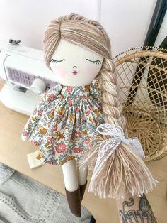 Little Wildwood Dolls Diy Doll Pattern, Doll Sewing Patterns, Sewing Dolls, Diy Rag Dolls, Homemade Dolls, Fabric Toys, Soft Dolls, Doll Crafts, Handmade Toys