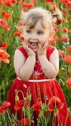 Spring in Red with little girl in field of poppies Precious Children, Beautiful Children, Beautiful Babies, Beautiful Things, Little People, Little Ones, Little Girls, Cute Kids, Cute Babies