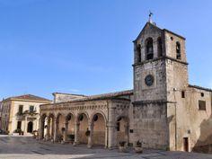 Lama dei Peligni, Piazza e campanile Parrocchia San Nicola e Clemente (Abruzzo, Chieti)