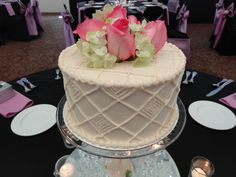 Centerpiece cakes Wedding Cake Centerpieces, Wedding Cakes, Wedding Stuff, Wedding Ideas, Individual Cakes, Mom Birthday, Cake Ideas, Wedding Reception, Pastel