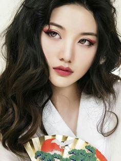 Fab eyeshadow color korean eyeshadow, korean eye makeup, korean make up, japanese makeup Chinese Makeup, Korean Makeup Look, Korean Makeup Tips, Korean Makeup Tutorials, Japanese Makeup, Korean Eyeshadow, Red Eyeshadow, Colorful Eyeshadow, Make Up Looks