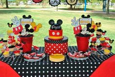 decor mesa do Mickey