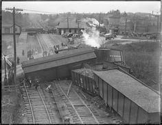 NY, NH & H Train wreck, Sharon --- USA
