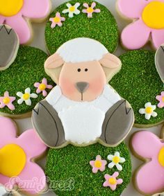 A step-by-step tutorial to make adorable Easter lamb cookies with royal icing on a sugar cookie.