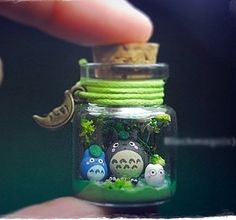 Neighbor Totoro - I love this so much. A favorite Studio Ghibli film. Bottle Charms, Clay Charms, Bottle Art, Big Bottle, My Neighbor Totoro, Hayao Miyazaki, Clay Creations, Biscuit, Polymer Clay