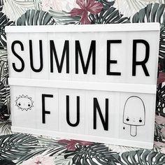 We're melting. MEEELTIIING! Need an! #hotinthecity #summer #sun #lightbox #summerfun #melting #icecream #alittlelovelylightbox #tropical #heat #leuven #funinthesun #livinglounge