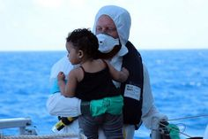 Artsen zonder Grenzen neemt voortaan geen financiële steun meer aan van de Europese Unie en de EU-lidstaten. De internationale organisatie protesteert hiermee tegen de Europese omgang met vluchtelingen.