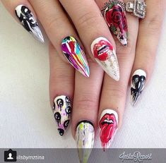 34 Stunning Designs For Stiletto Nails For A Daring New Look Sexy Nails, Dope Nails, Fancy Nails, Stiletto Nails, Fabulous Nails, Gorgeous Nails, Pretty Nails, Nail Swag, Chanel Nail Art