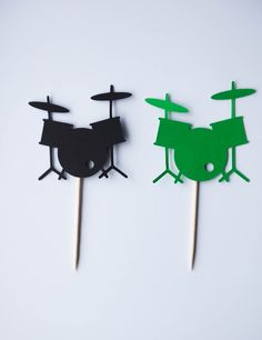Drum Cupcake Toppers, Drums, Music Toppers, Drum Toppers, Drum Birthday, Drum Party, Music Party, Music Birthday, Band, Band Toppers by AlderFamilyCreations on Etsy Music Themed Cakes, Music Themed Parties, Music Party, Music Theme Birthday, 16th Birthday, Birthday Parties, Kids Drum Set, Drums Artwork, Cards
