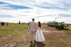 Hayrides to the ceremony site at the back of the farm.