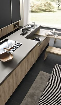 """un assaggio del piano cucina colore grigio in """"Fenix NTM"""" sulla cucina FIESOLE"""