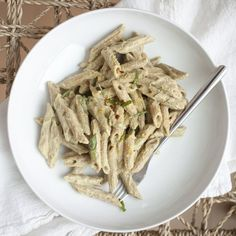 Cashew Cream Tomato Penne Pasta — Produce On Parade Whole Foods Vegan, Whole Food Recipes, Veg Recipes, Summer Recipes, Vegetarian Recipes, Dinner Recipes, Spiced Cauliflower, Cauliflower Soup Recipes, Salads