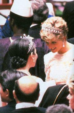 November 12, 1990:  Princess Diana during banquet for the Japanese Emperor Akihito.