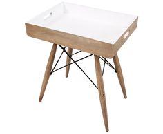 Der praktische Holztisch bietet genug Platz für Ihre schönsten Coffetable-Books oder Blumenvasen.