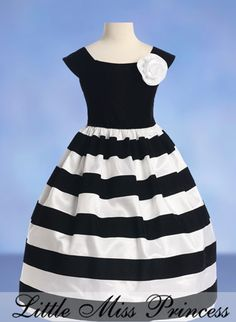 Search results for: 'toddler little girl grey black stripe holiday party pageant dress 2 Little Girl Fashion, Little Girl Dresses, Kids Fashion, Girls Dresses, Flower Girl Dresses, Summer Dresses, Flower Girls, 50s Dresses, Fashion News