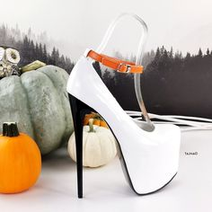 Heeled Boots, Shoe Boots, Pencil Heels, Homecoming Shoes, Talons Sexy, Hot Heels, Thick Heels, Fashion Night, Photo Colour