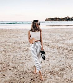 Cute vacation outfit.