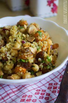 Marokańska sałatka z pieczoną marchewką, kaszą bulgur i ciecierzycą | Filozofia Smaku