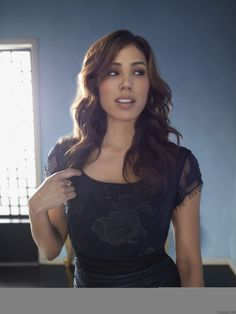Bones - Fox So Fresh - Michaela Conlin.. shes way beautiful