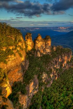 """The """"Three Sisters"""" are undoubtedly the Blue Mountains' most famous landscape."""