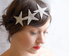 Honey Kennedy giving away this gorgeous headband from Giantdwarf at etsy! I need this.