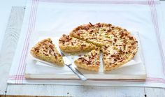 Quiche met spekjes en prei Quiche Lorraine, Fritters, High Tea, I Foods, Quiches, Easy Meals, Brunch, Good Food, Dinner Recipes