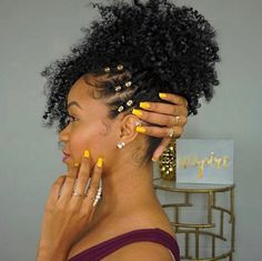 Elegant Afro Hairstyles Natural Hair - The latest trends .- Stylish Afro Hairstyles for Natural Hair – The Latest Hairstyle Trends Natural Hair Inspiration, Natural Hair Tips, Natural Hair Journey, Natural Hair Styles, Afro Hair Style, Curly Hair Styles, Black Girls Hairstyles, Braided Hairstyles, Prom Hairstyles