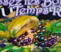Mardi Gras King Cake - Easiest Ever!!  From Kelli's Kitchen