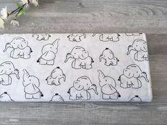 50cm Baumwolle 13Eur/m weiß mit Elefanten   Etsy Etsy, Cotton Textile, Elephants, Fabrics, Cotton