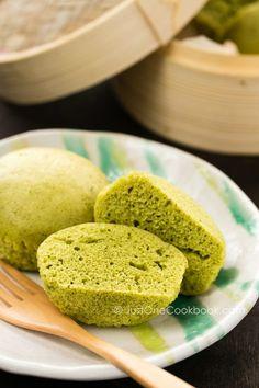 Green Tea Steamed Cake | Easy Japanese Recipes at http://JustOneCookbook.com