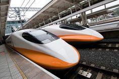 nc-raleigh-high-speed-rail Train exterior orange white smooth aerodynamic front high speed
