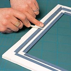 Diy Frame, Crafts To Do, Diy Art, Plastic Cutting Board, Framed Art, Decoupage, Street Art, Projects To Try, Relief